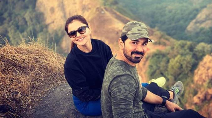 पति अभिनव शुक्ला के साथ रुबिना दिलैक